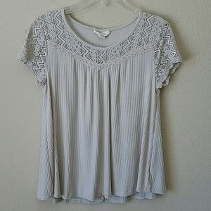 Style & Co Cream Short Sleeved Top Size Small